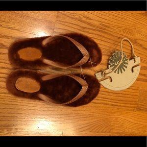 UGG Women Fluffie Sandal - Shinny Penny Color